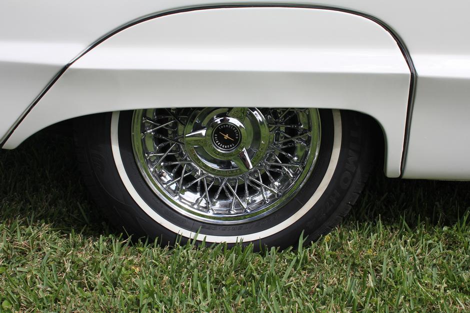 1964 Ford Thunderbird Roadster