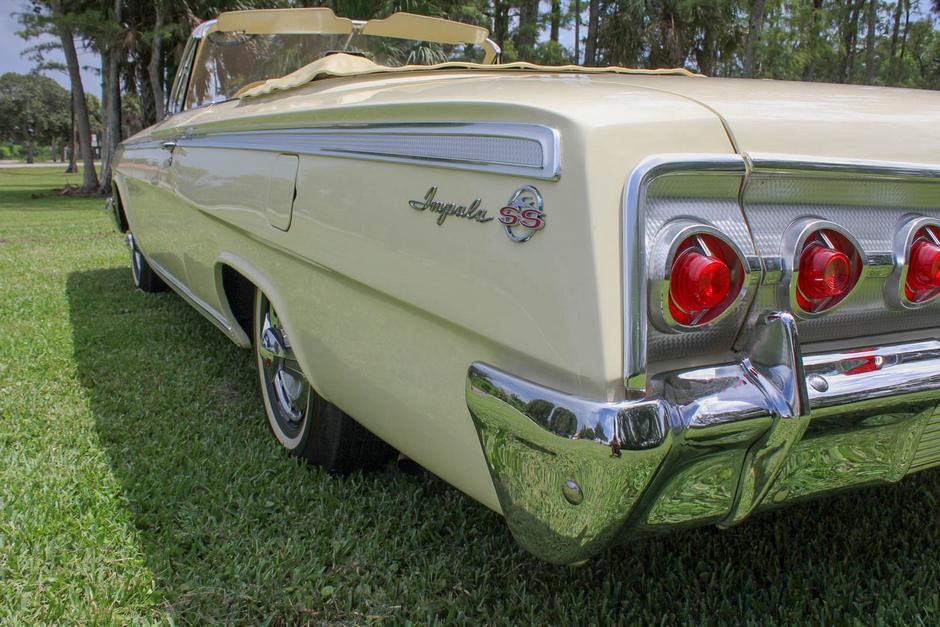 1962 Chevrolet Impala SS 409 Convertible